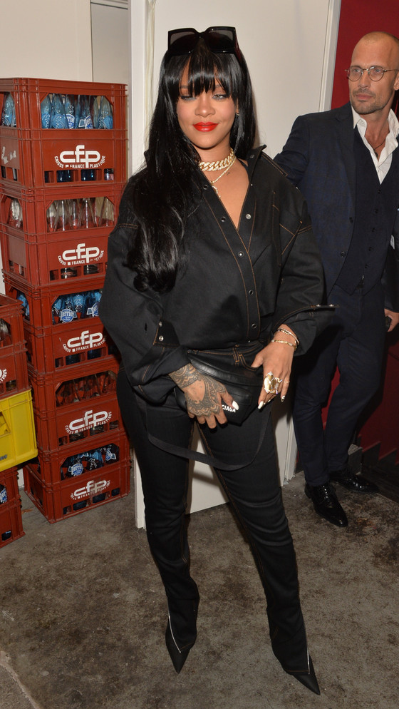 Rihanna In Black Outfit At Paris Fashion Week's Fenty Brand Party