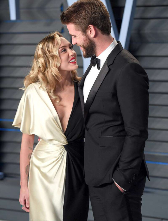Miley Cyrus Marries Liam Hemsworth