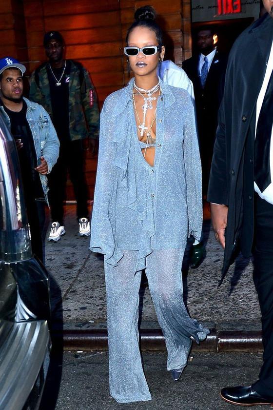 Rihanna Congratulates Barbados On Its 54th Independence Anniversary