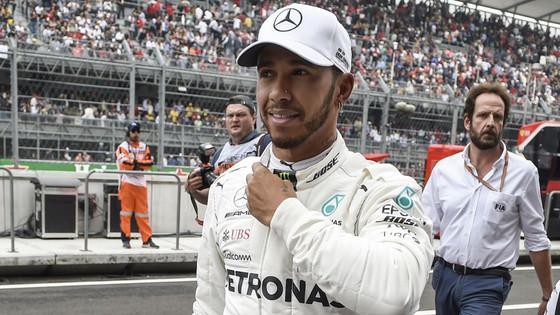 Lewis Hamilton Wins 5th Formula 1 World Title