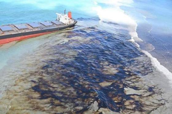 Mauritius Declares Environmental emergency Over Coastal Oil Spill