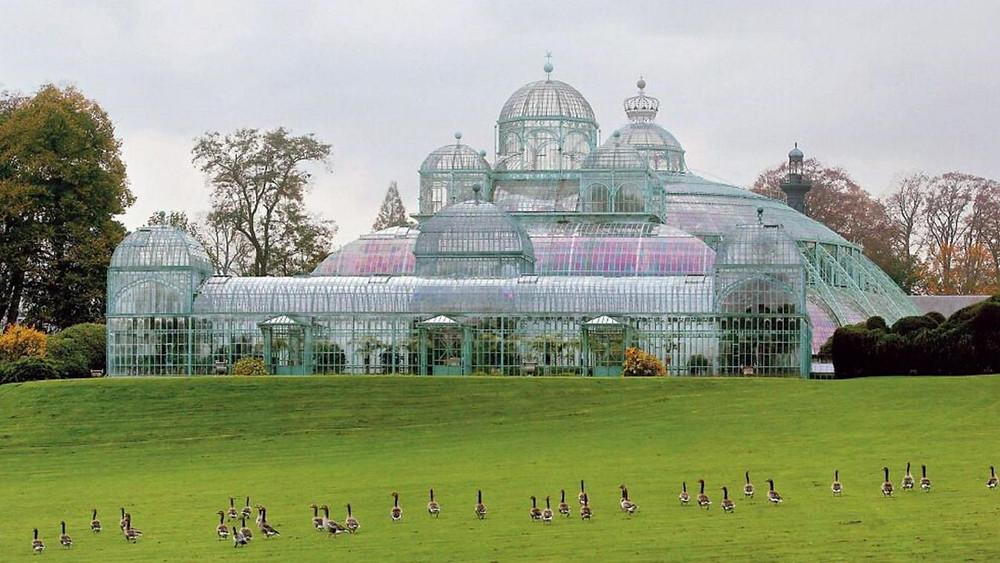 Park in Laeken, green oasis, Brussels, Mixua