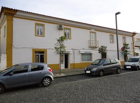 Medidas de autoproteção de 2 estabelecimentos comerciais, em Alandroal, Évora