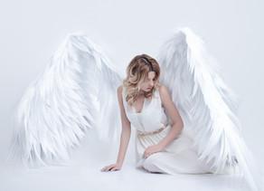 Malaikat: Tanda mereka bersama anda