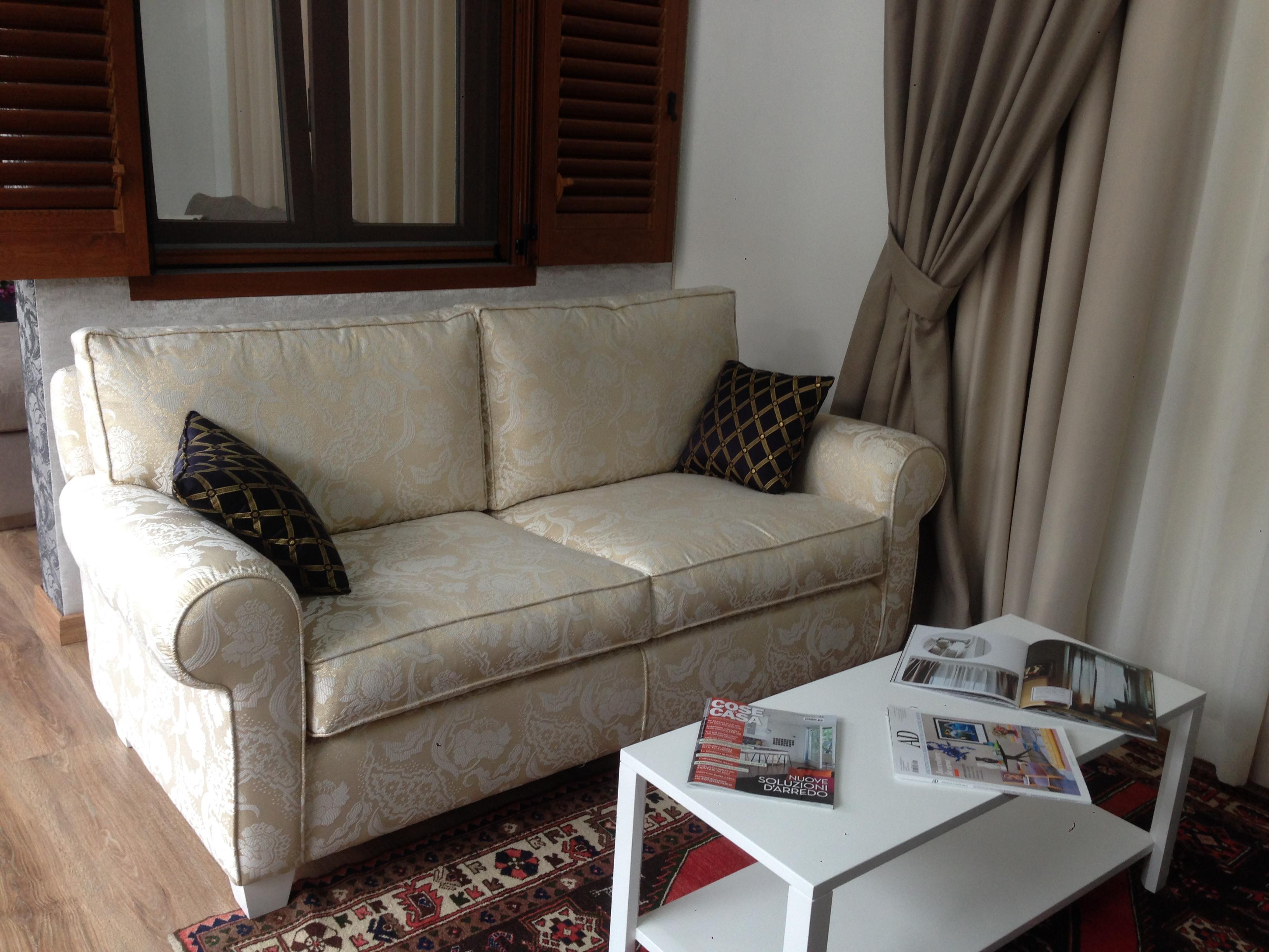 divano classico 2p.
