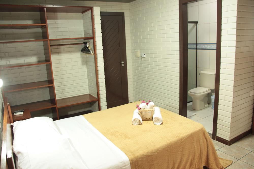 cama de casal - banheiro