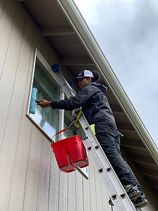 my windows are dirty, how to wash windows, how to clean windows, best way to wash windows, alaska window cleaners, anchorage window washing, window washing near me, best window cleaning companies anchorage, eagle river window washing,