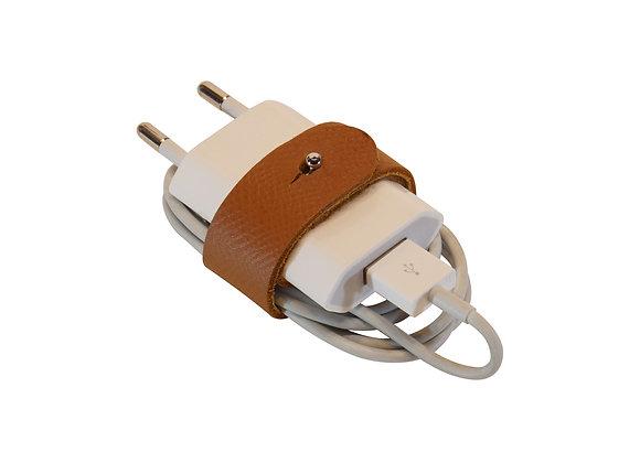 attachecâble accessoire telephone cuir usb cadeau fabriquer motricite jouetbois manufactureenfamille madeinfrance