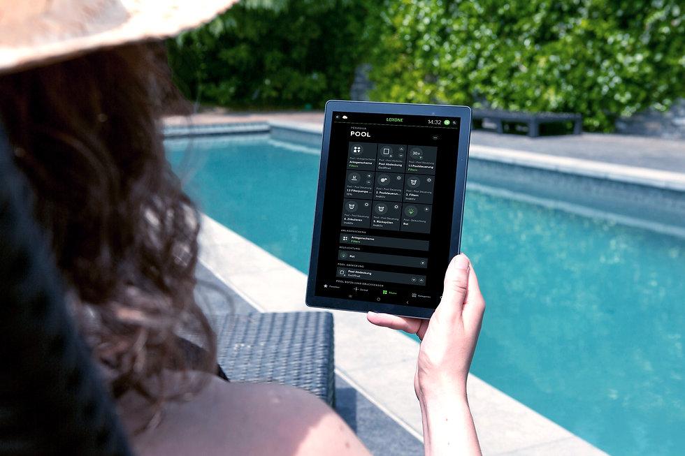 e-book-e-reader-ebook-1247527_b.jpg