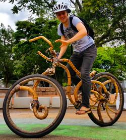 minotaura_na_praça_bamboo_bike_bambu_bik