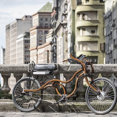 Bicicleta de madeira elétrica.