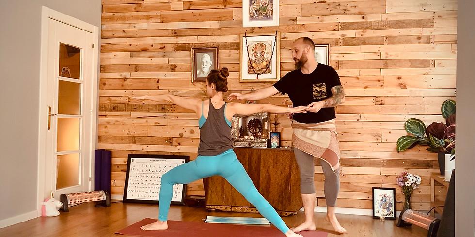 Taller presencial de iniciación al Yoga (SABADO 18:00)
