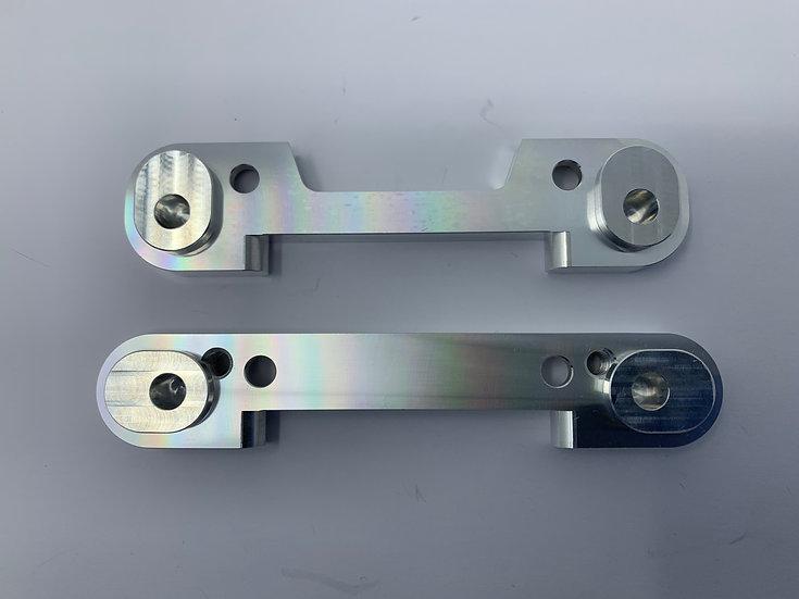 OUTLAW V2 REAR HINGE PIN BRACE SET (INCL BUSHES)
