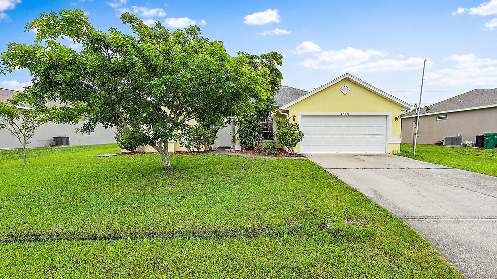 4 BED   3 BATH   ASSISTED LIVING   4645 SW Vahalla St., Port St. Lucie