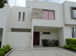 Casas en RENTA Manzanillo - Almendros II (2)