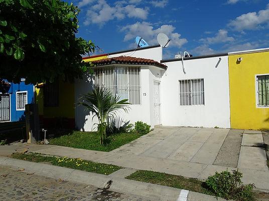 Casas RENTA Manzanillo - Camelinas.JPG