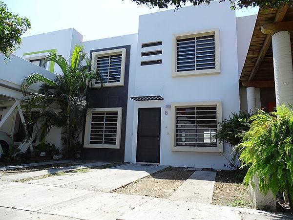 Casas RENTA Manzanillo - Almendros 3.JPG