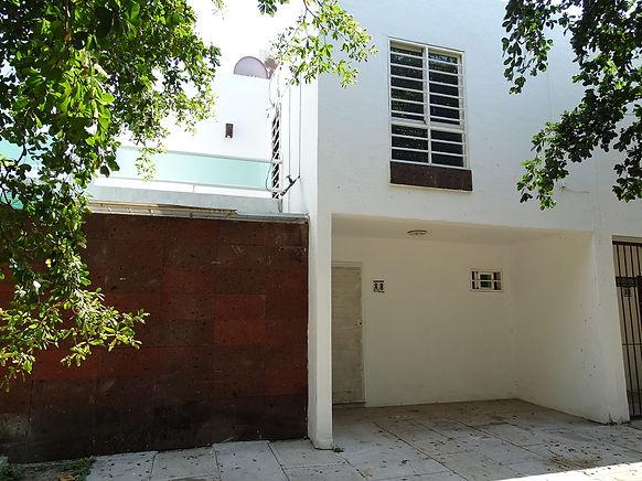 Casas RENTA Manzanillo - Almendros.JPG