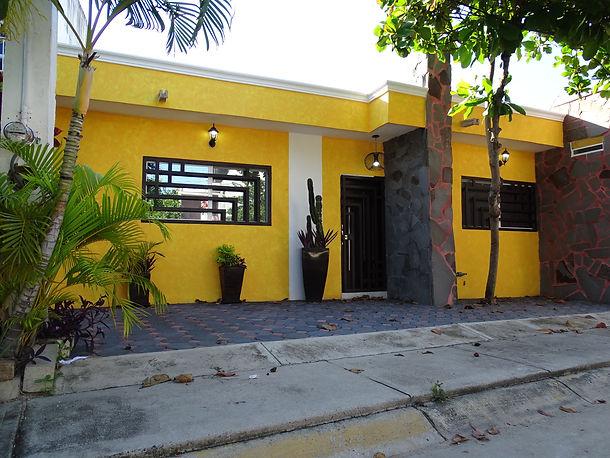 Casas RENTA Manzanillo - Salagua (2).JPG