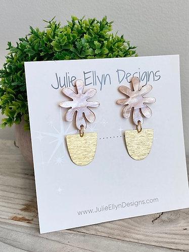 Shell Flower and Brass Stud Earrings