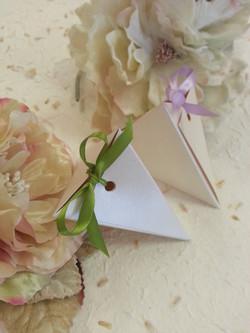 Triangular wedding bonbonniere favour bo
