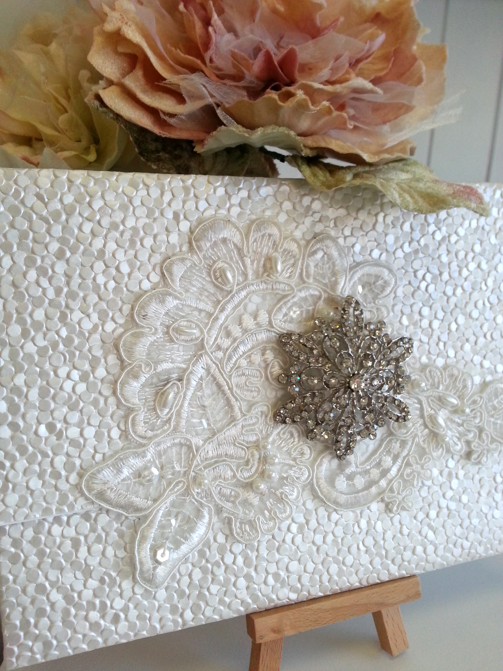 Elizabeth - diamantes clutch lace