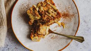 Torta di patate dolci, mele e cannella