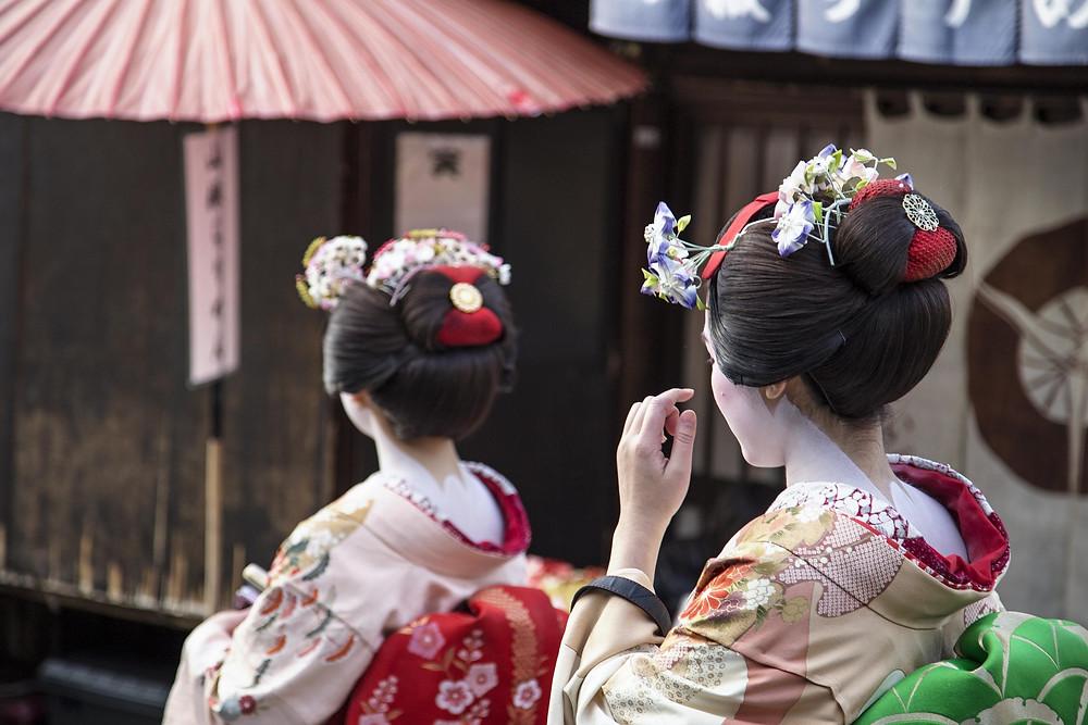 Meet a maiko (apprentice geisha)