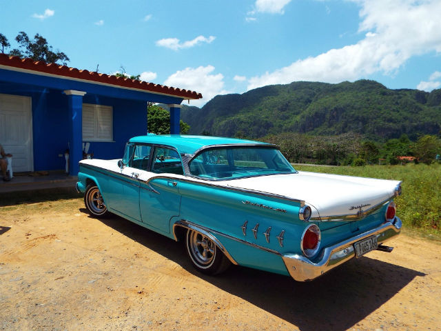 One of the many classic cars of Cuba