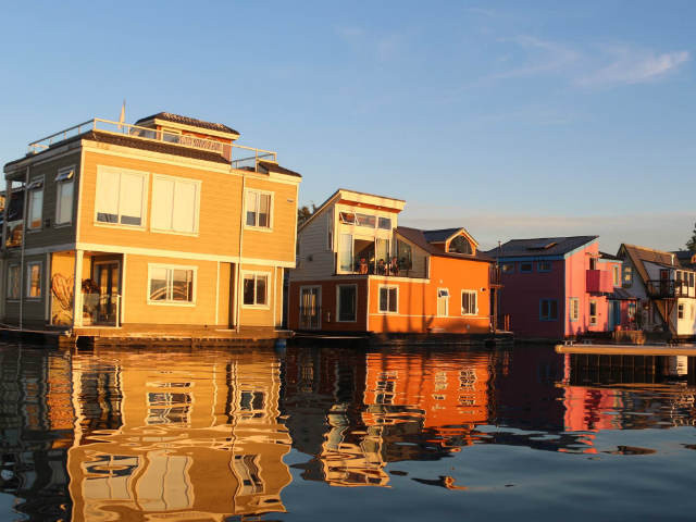 The floating homes on Fisherman's Wharf