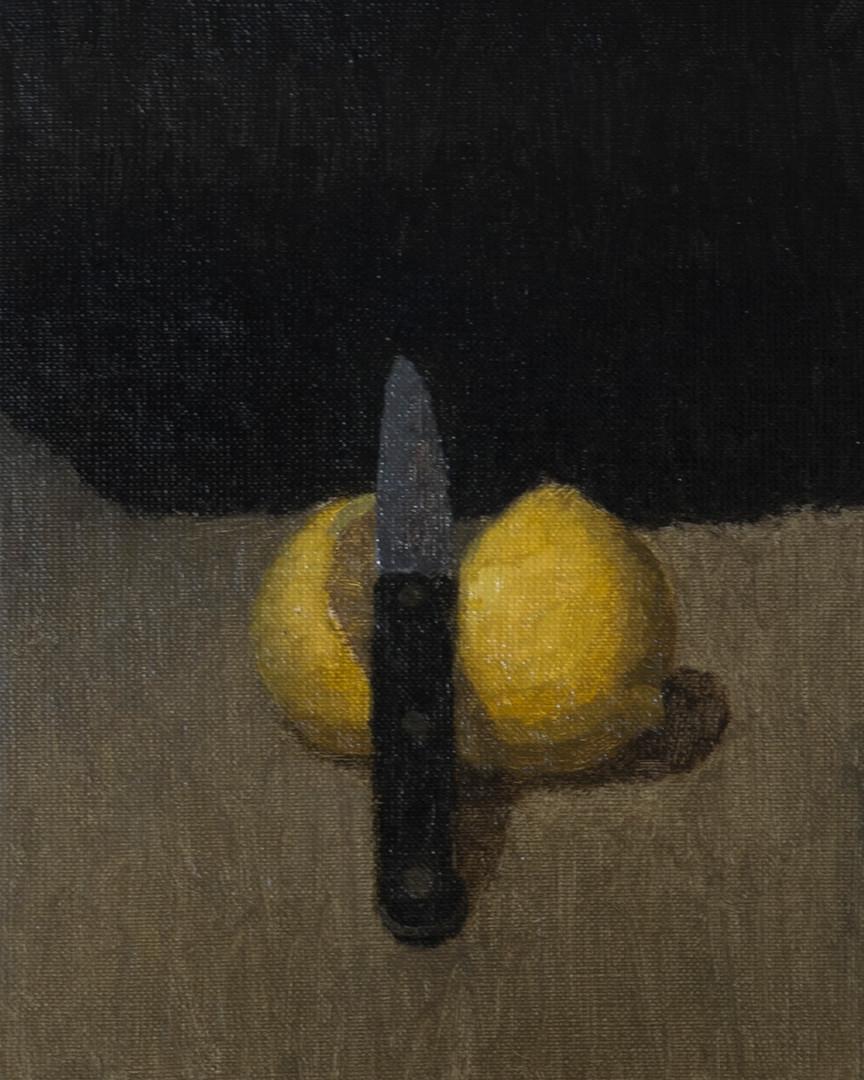 Lemon and knife