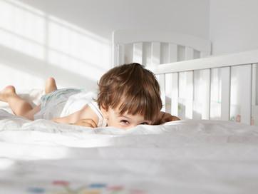 Como fazer a transição do berço para a cama da criança?