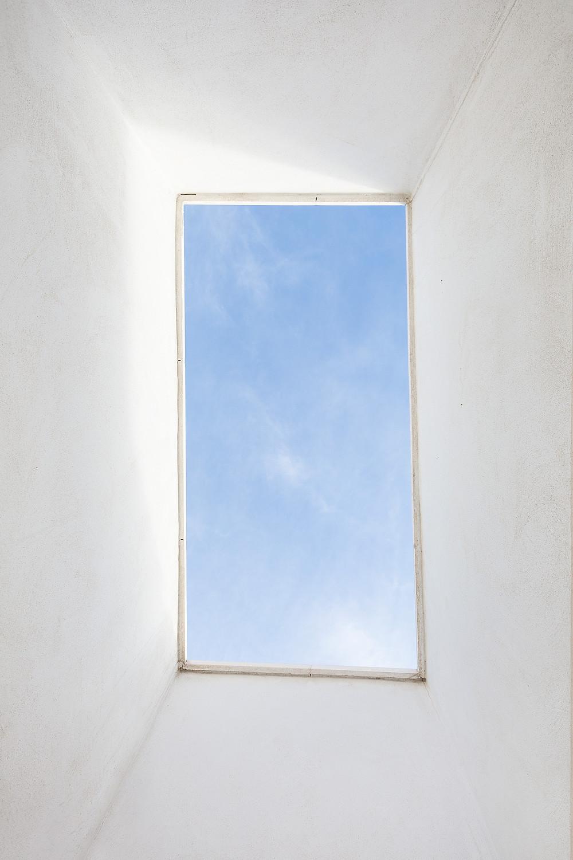 Fotografía entrada luz arquitectura