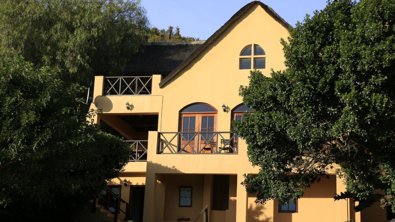 Zebra-Lodge-1.jpg.1366x768_q85_crop_upsc