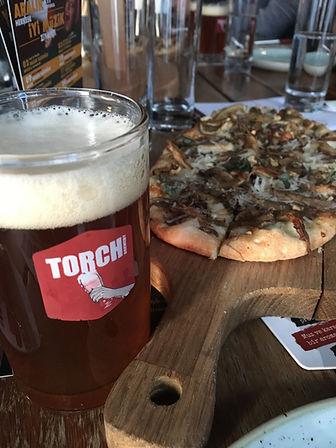 Mantarlı pizzetta ve Red Ale
