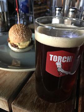 Hamburger ve Koyu Buğday Birası
