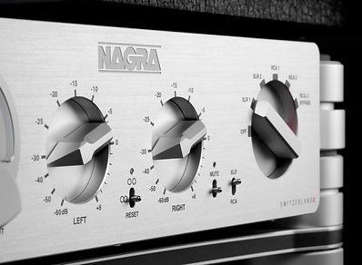 Nagra-HD-PREAMP-volume-and-selector-752x