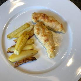 Hühnerfilets im Parmesanmantel mit Ofen-Kartoffeln