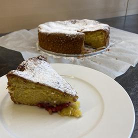 Kuchen mit weißer Schokolade & Himbeeren