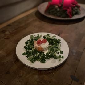 Lachs Tartar mit Limetten-Creme fraiche