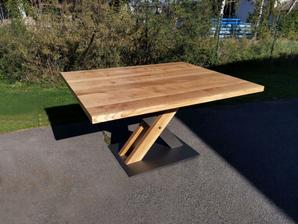 Stůl kombinace dřevo a kov