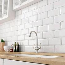 suelos y azulejos blancos, tipo metro