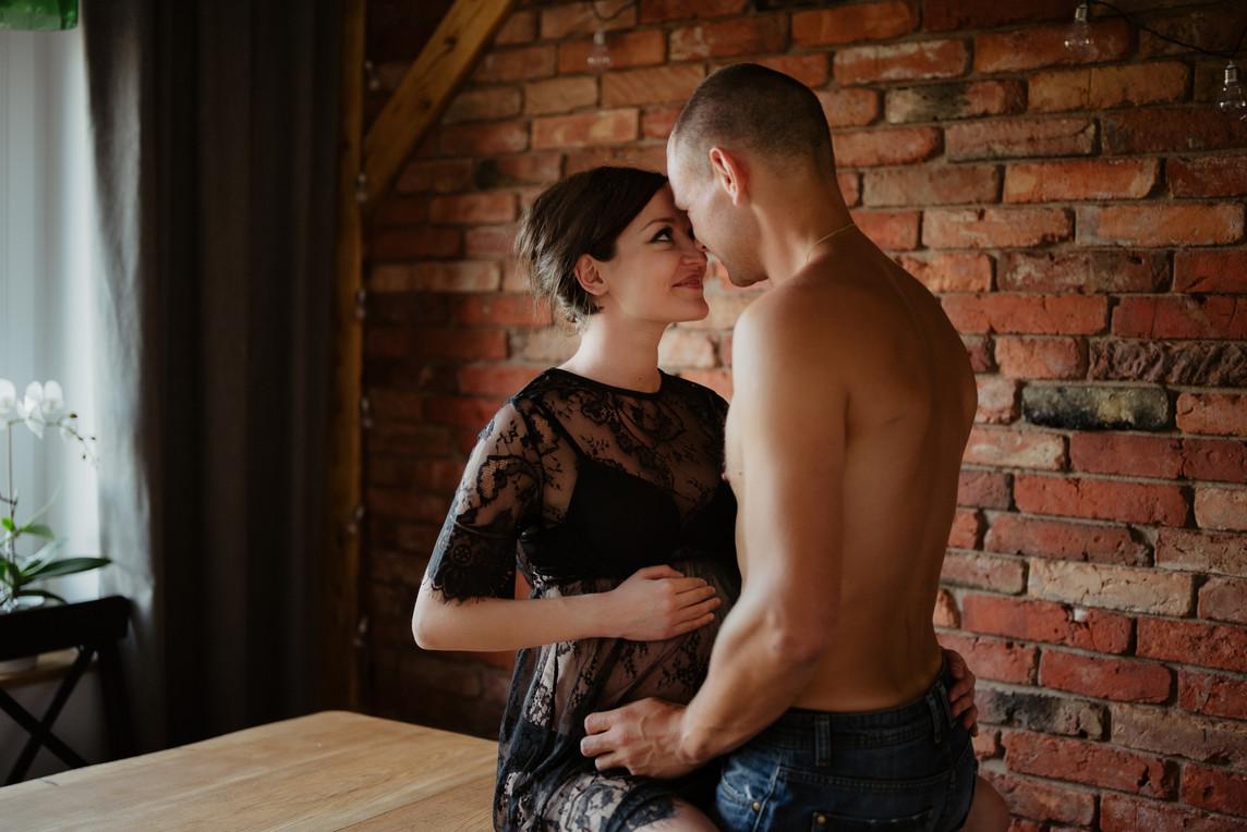 sesja-ciazowa-w-domu-slupsk-skornafotogr