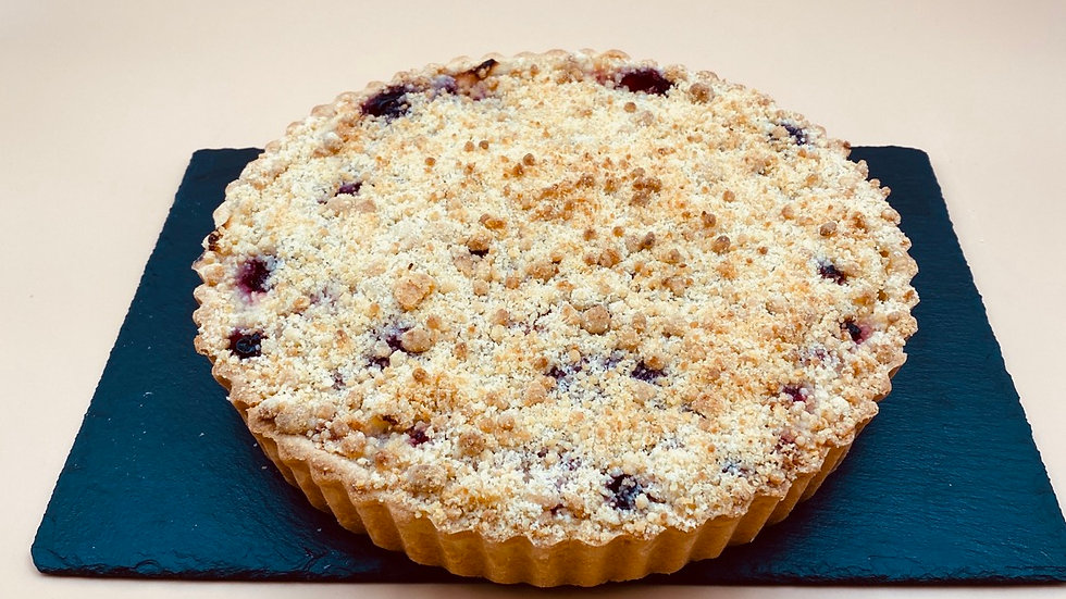 Apple & Berry Crumble - 23 cm
