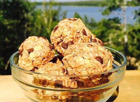 Healthy Chocolate Oat Energy Balls