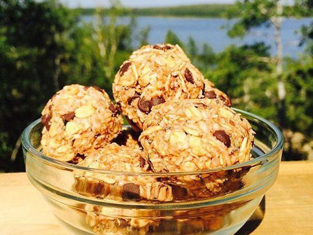 Healthy Chocolate Oat Energy Balls