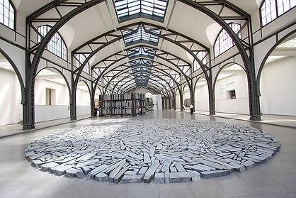 מי אמר אמנות עכשווית ולא קיבל? סיור אמנות בתחנת רכבת היסטורית שהפכה למוזיאון! להכיר את ההיסטוריה הגרמנית דרך האמנות