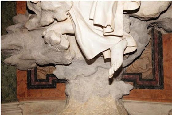 Santa Maria della Vittoria  Pie de Santa