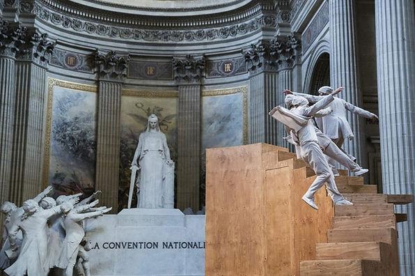 Yoann Bourgeois performance in Pantheon.