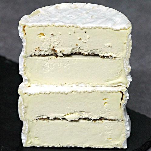 Cremeux des citeaux aux truffles by Cheese Master Rodolphe Le Meunier